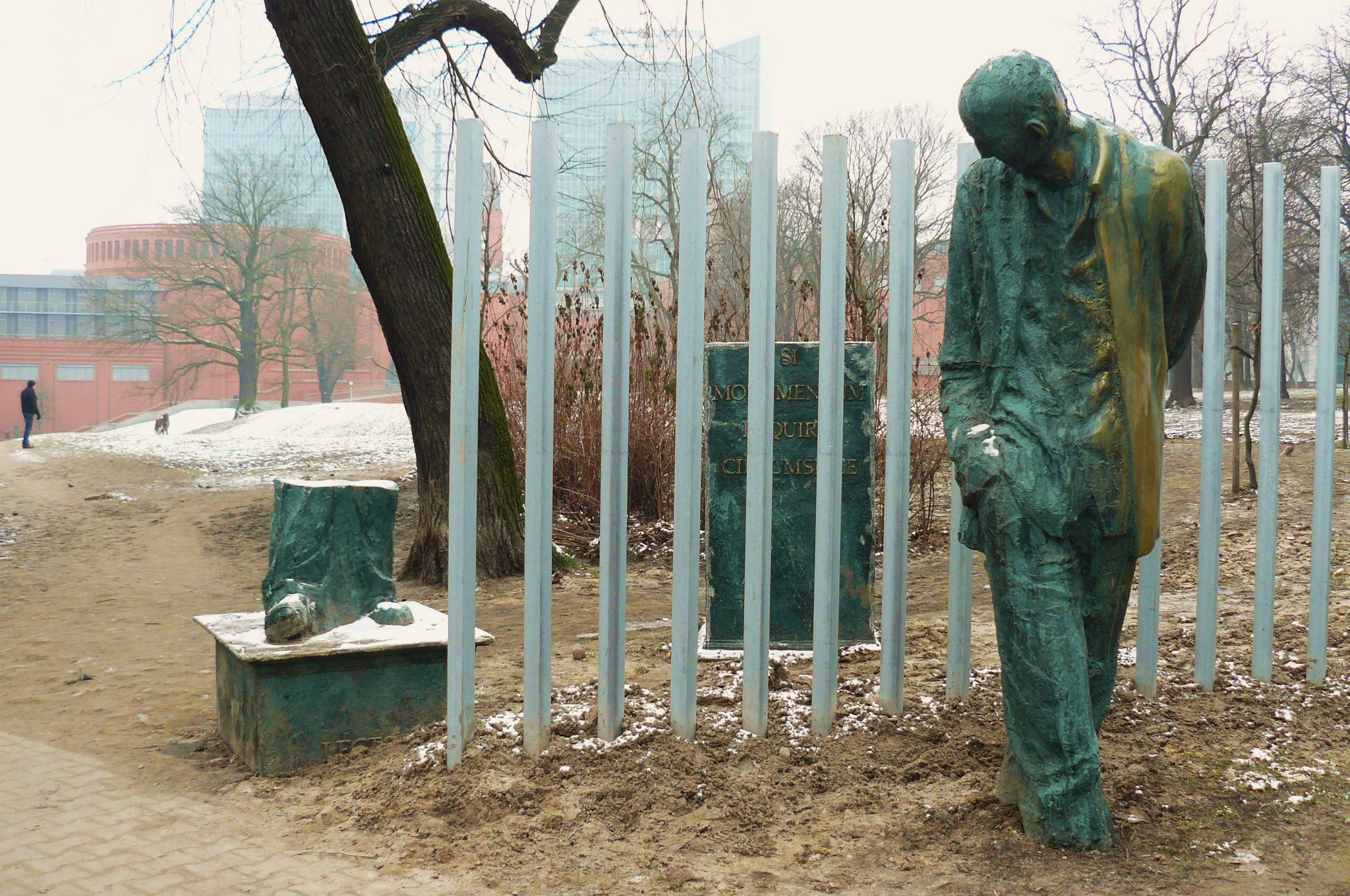 NotMonument_Poznan - sculpture by Norbert Sarnecki